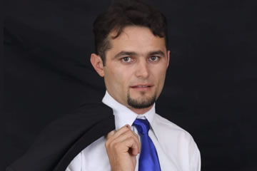 Charlys Menezes