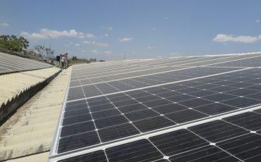 Governo Federal zera imposto para importar itens de informática e módulos solares