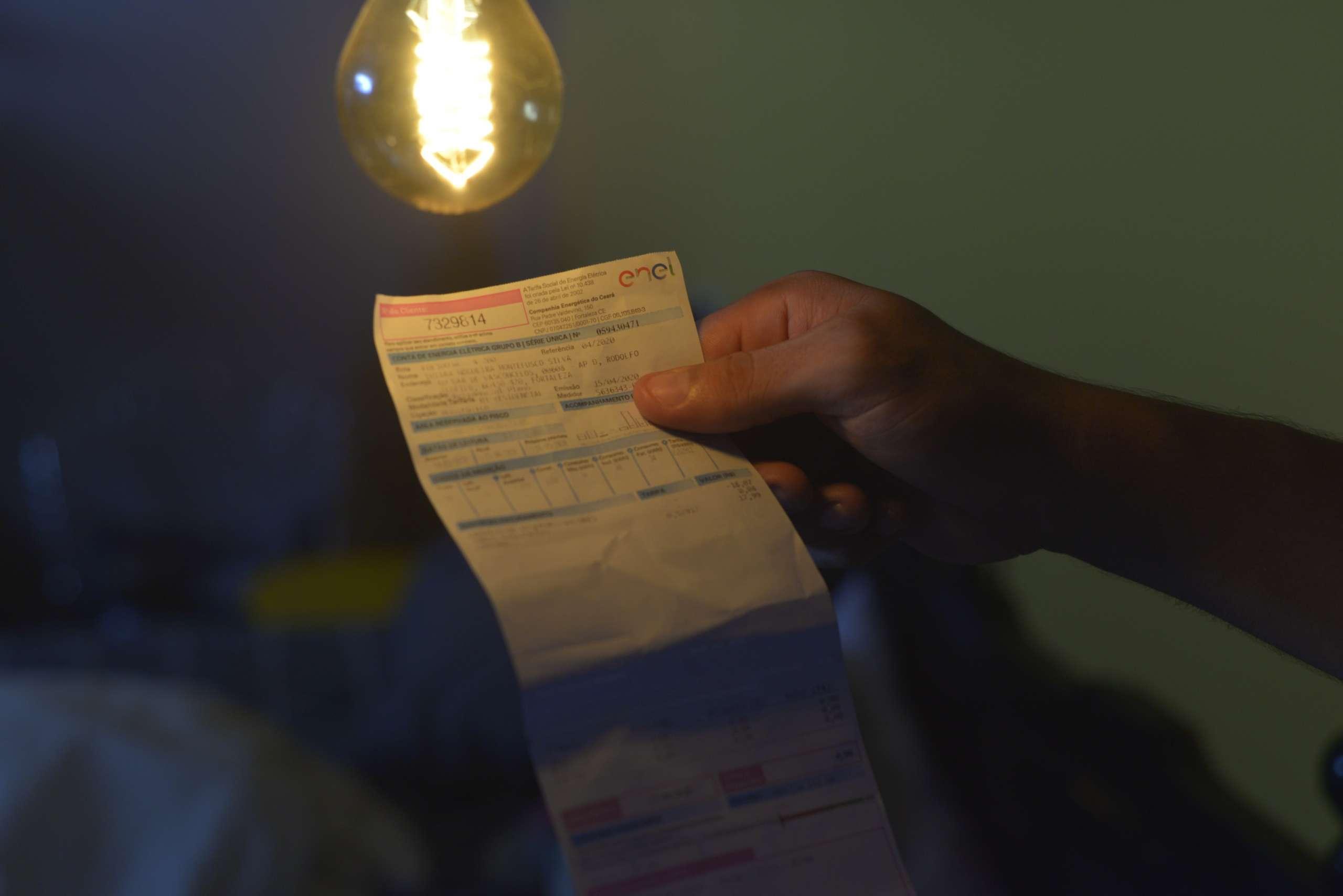 Brasil pode ter a energia mais cara do mundo no fim do ano, diz instituto